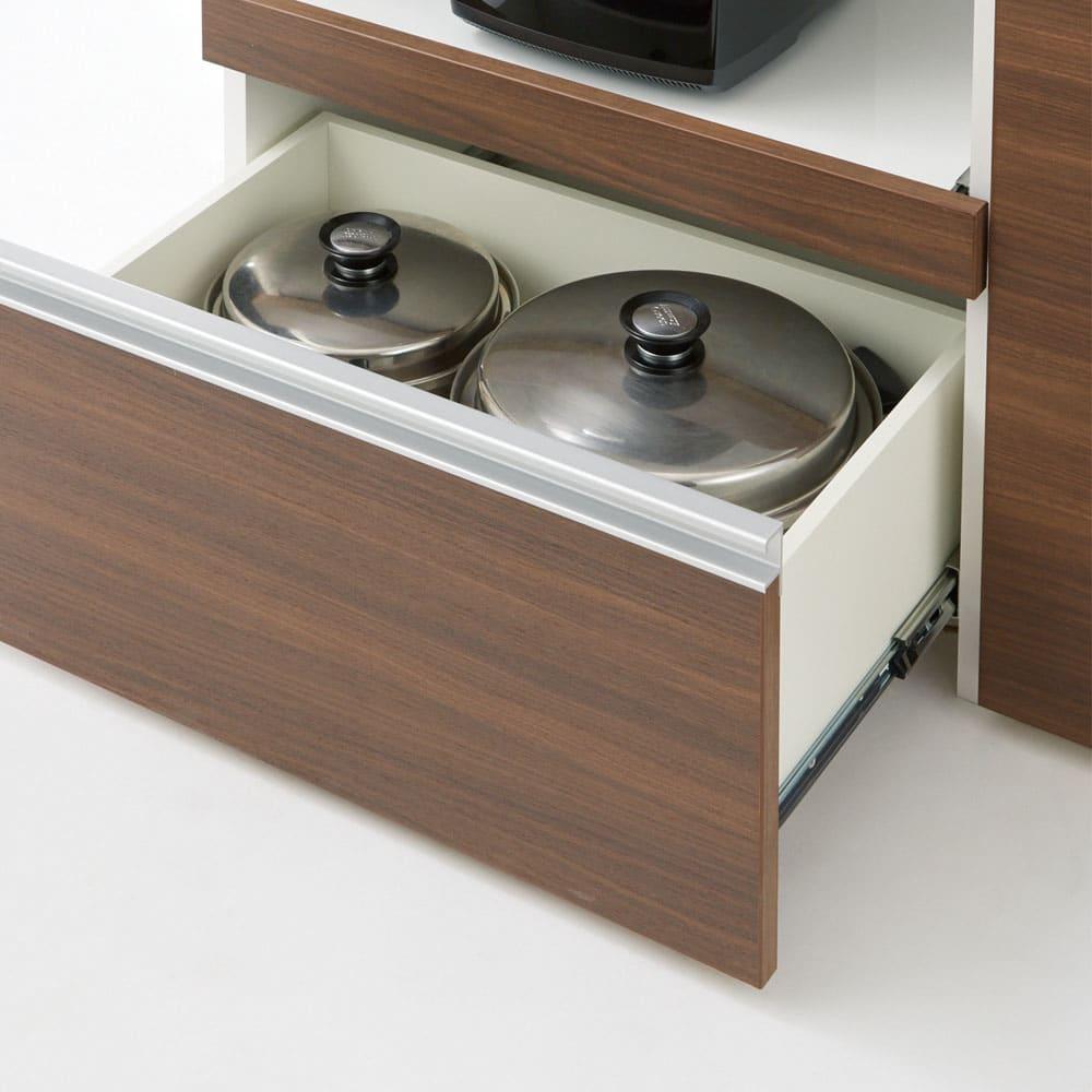 サイズが選べる家電収納キッチンカウンター ロータイプ 幅120cm 下段の引き出しはレール付きで開閉もラク。