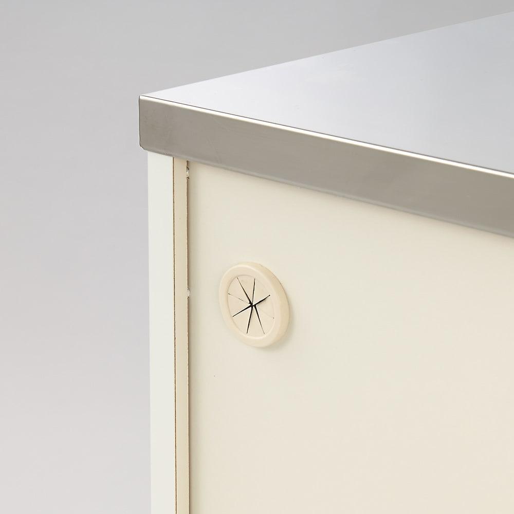 収納しやすいステンレストップカウンター 家電収納タイプ幅118cm 裏面にコード穴があります。
