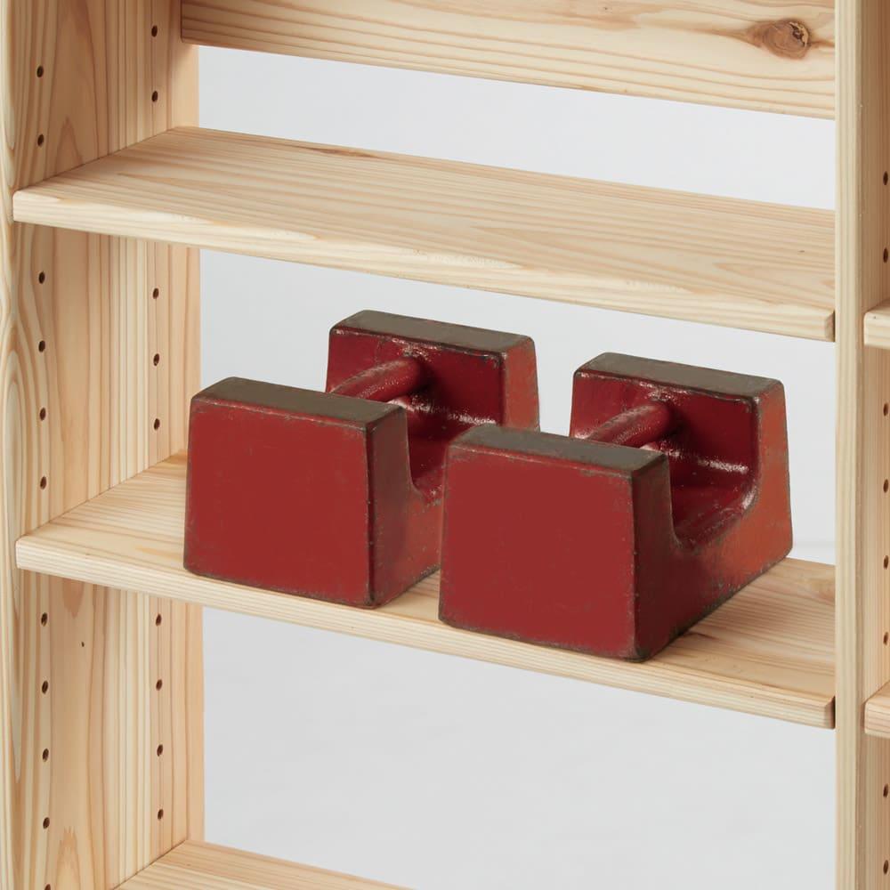 薄型奥行15cm 国産杉の天然木ラック 幅120.5高さ100cm 棚板1枚あたりの耐荷重は約20kg。