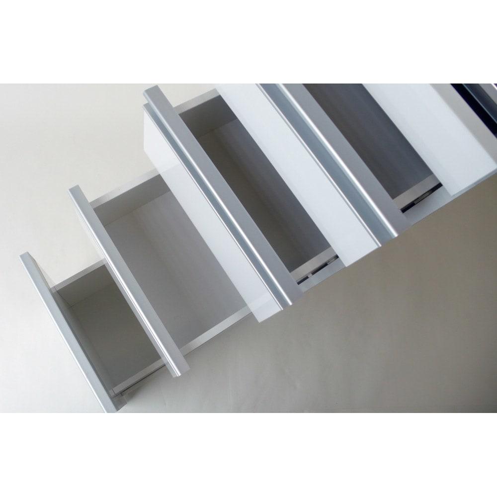 光沢仕上げダブルステンレス天板すき間収納庫 ロータイプ高さ85cm 幅20cm 引出し内部は全て化粧仕上げ。