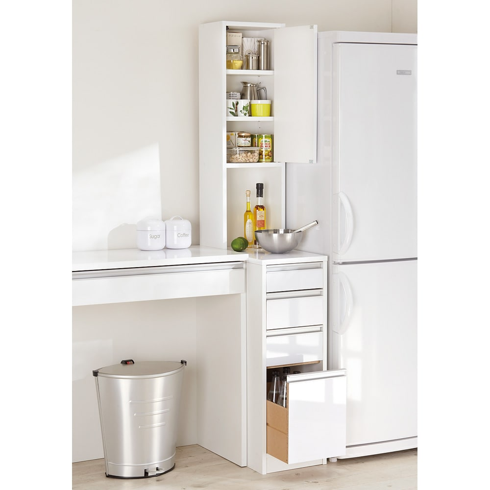 水ハネに強いポリエステル仕様 キッチンすき間収納庫 奥行55cm・幅25cm ハイタイプ (右開き) ※写真は幅30cm高さ180cmタイプです。