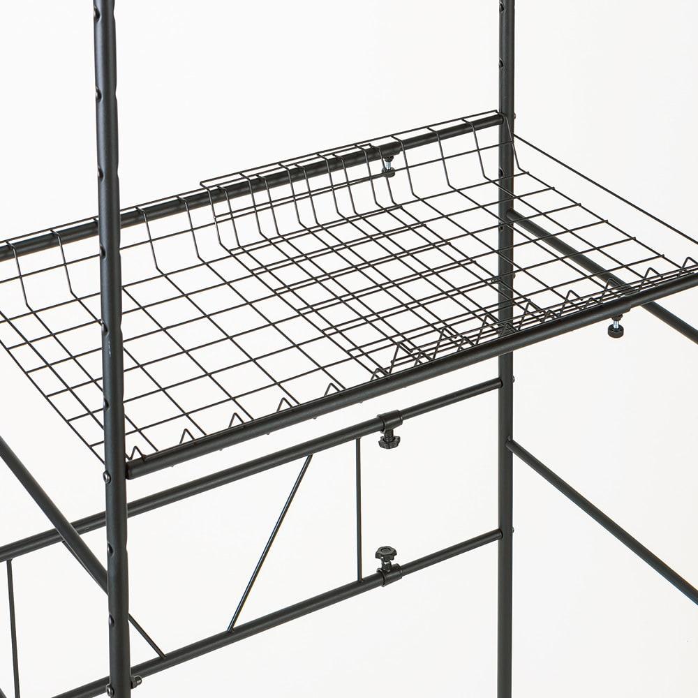 伸縮するバスケット棚のシンプルランドリーラック 浅棚1段 深棚1段 本体幅は60~88cmに伸縮可能。バスケット棚ごと幅が変えられます。
