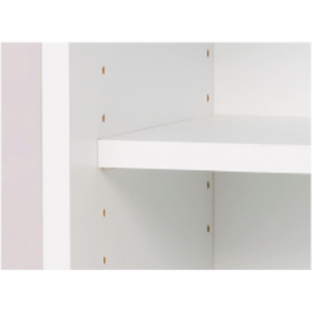 光沢仕上げ吊り戸棚 引き戸タイプ 幅90cm 棚板は3cmピッチ5段階で調節可能です。 収納物の高さに合わせて設定できます。