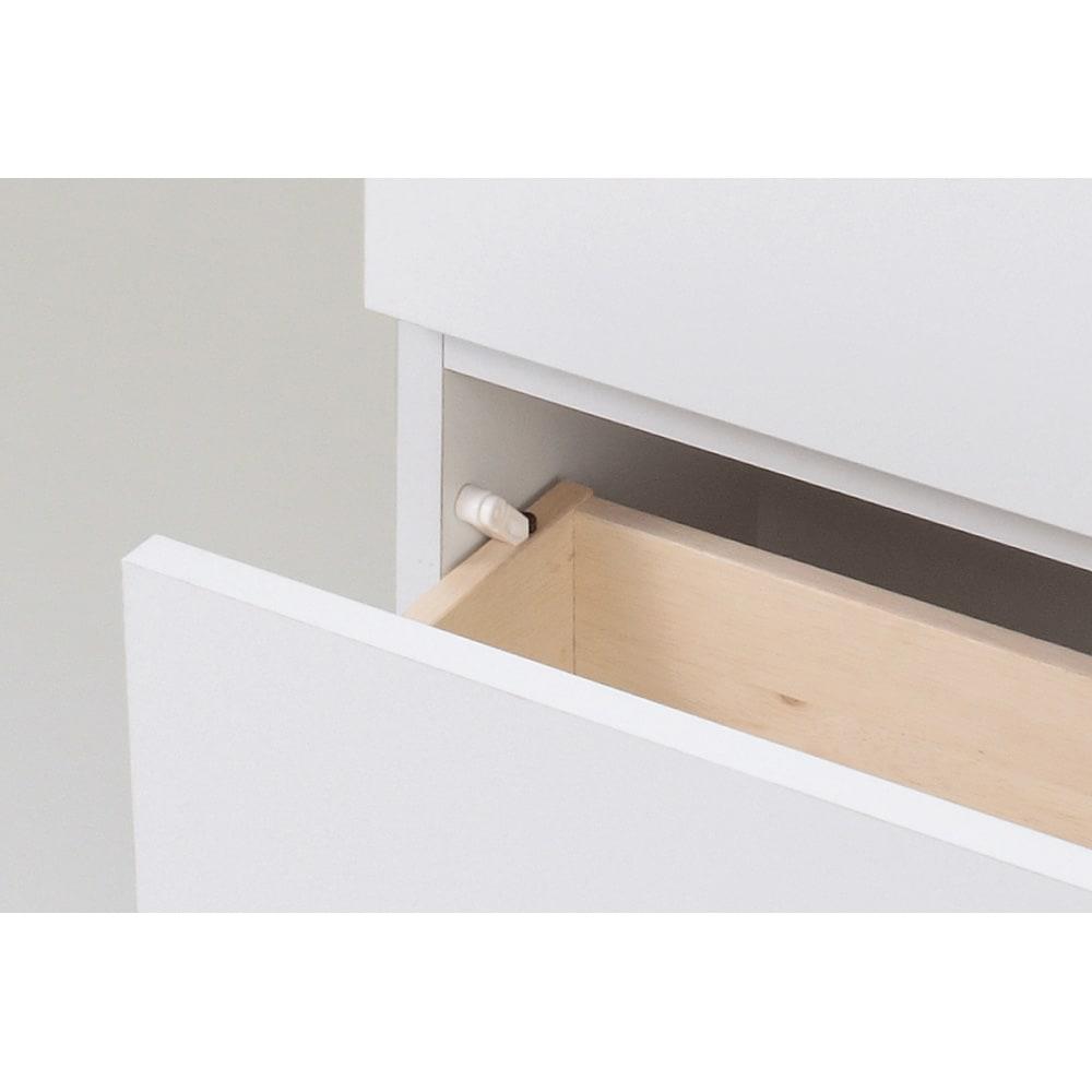 組立不要 天井まで使える薄型サニタリーチェスト 奥行23.5cmタイプ・幅50cm 引き出しはストッパー付きの安心仕様です。