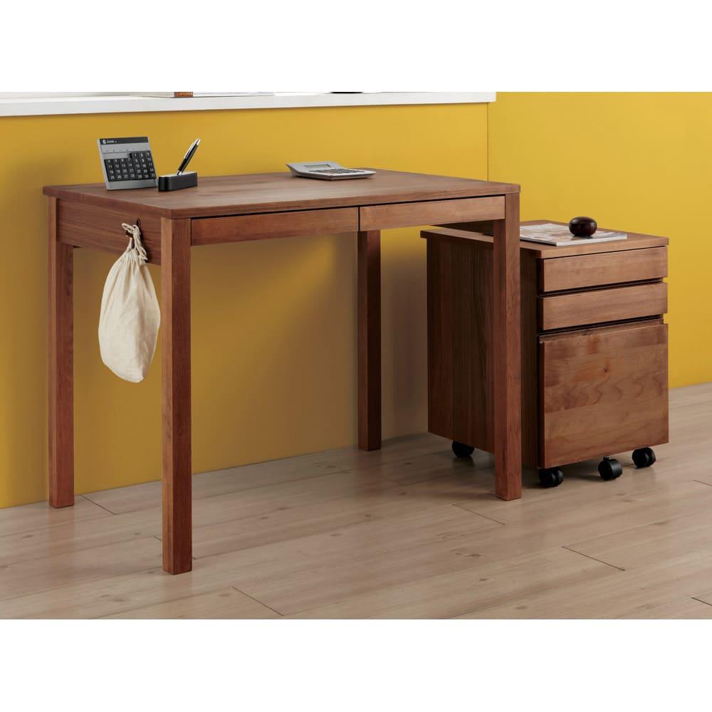 ミニマムデスク TSUKUE(ツクエ)デスク 幅110奥行60cm (ア)ダークブラウン色見本 ※写真は幅90、奥行60cmタイプと袖机の組合せ例です。 ※袖机は別売りです。