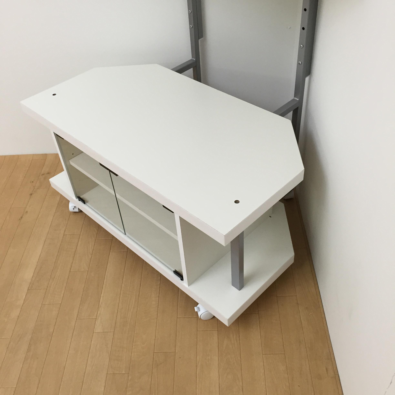 テレビ上の空間を有効活用できるシリーズ コーナー用テレビ台 幅90cm・棚2段 (イ)ホワイト ※コーナーに設置したとき構造上、壁と天板の間に約8cmの開きがあきます。予めご了承ください。