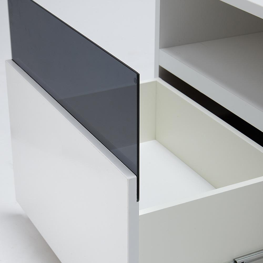 奥行44cm 生活感を隠すリビング壁面収納シリーズ テレビ台 ハイタイプ 幅120cm デッキ収納部下の引き出しはDVDやブルーレイがたっぷり収納できる深型タイプです。