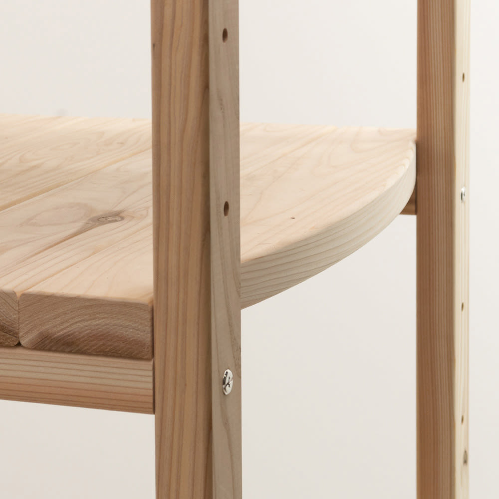 国産杉 頑丈オープンラック 奥行35cm 幅89cm 高さ179cm 建築材で使われる素材感と前面の曲線デザインの融合
