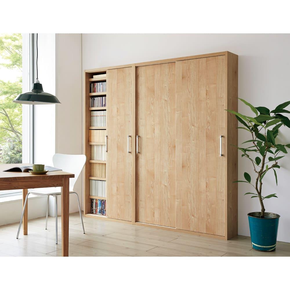 天然木調引き戸本棚 幅115cm奥行40cm (イ)ナチュラル 優しい木目調で、明るいさわやかな空間に。※写真は(左)幅78奥行25cmタイプ、(右)幅115奥行25cmタイプです。