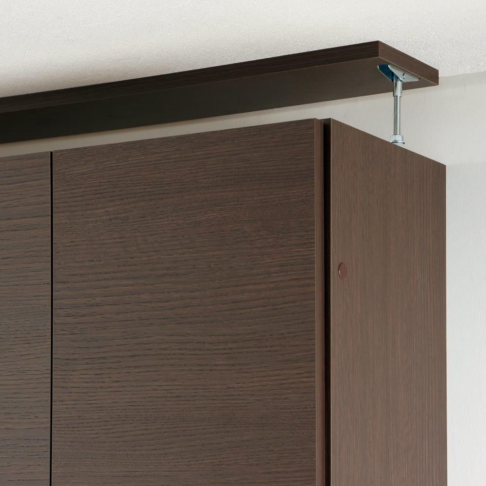 【幅60cm】 突っ張り壁面収納本棚 (奥行24cm本体高さ230cm) 面で突っ張ってしっかり安定させる安心構造。