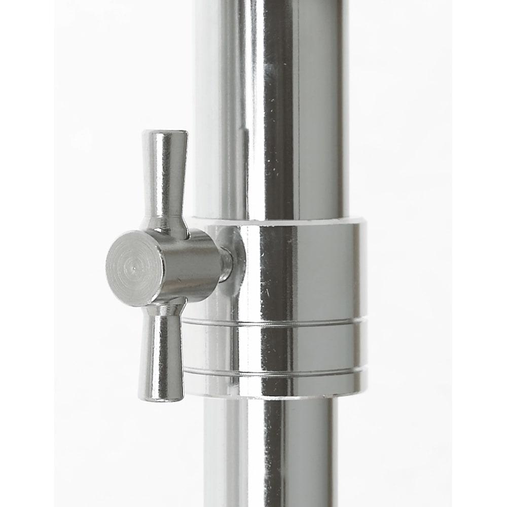 プロ仕様 伸縮頑丈ハンガーラック ダブルタイプ 幅92~122cm 幅と高さを変更する中間リングはしっかりと固定するスチール製を使用しています。 しっかりと固定できます。