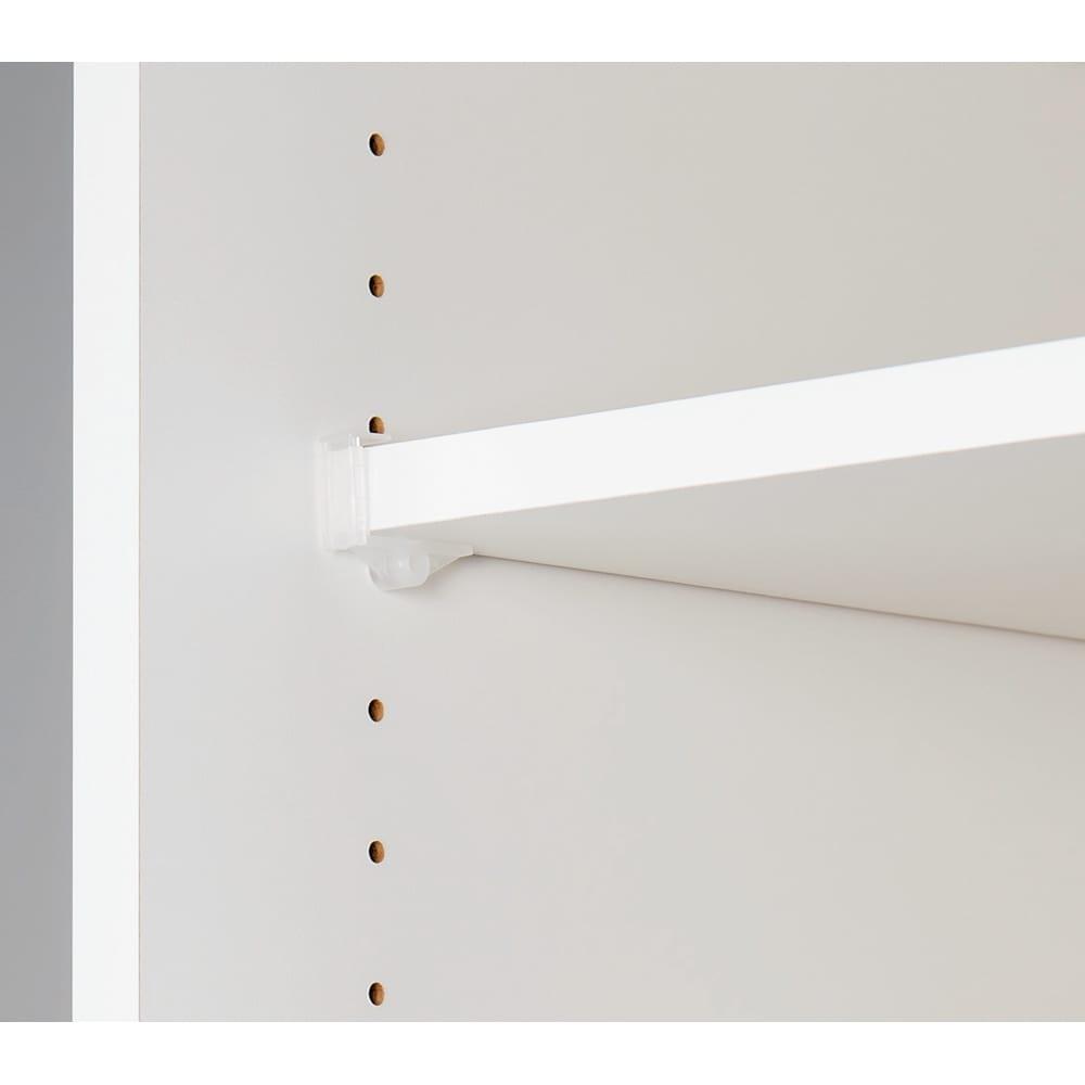 引き戸間仕切りワードローブ ハンガー+棚・幅118cm 棚板は3cmピッチで高さ調節が可能です。