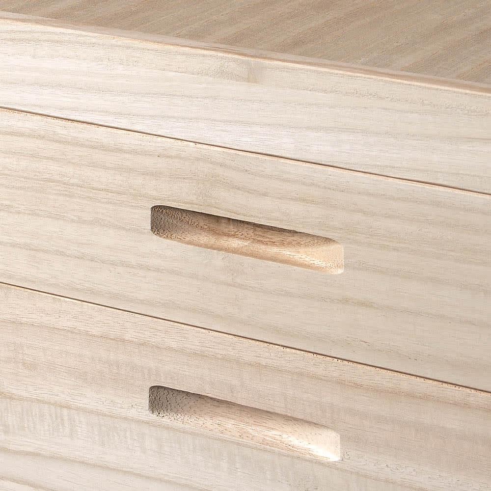 【ローチェスト】総桐衣装ケース 幅91cmタイプ 2段(浅1深1) 収納部の両サイドに彫り込んだ取っ手があります。