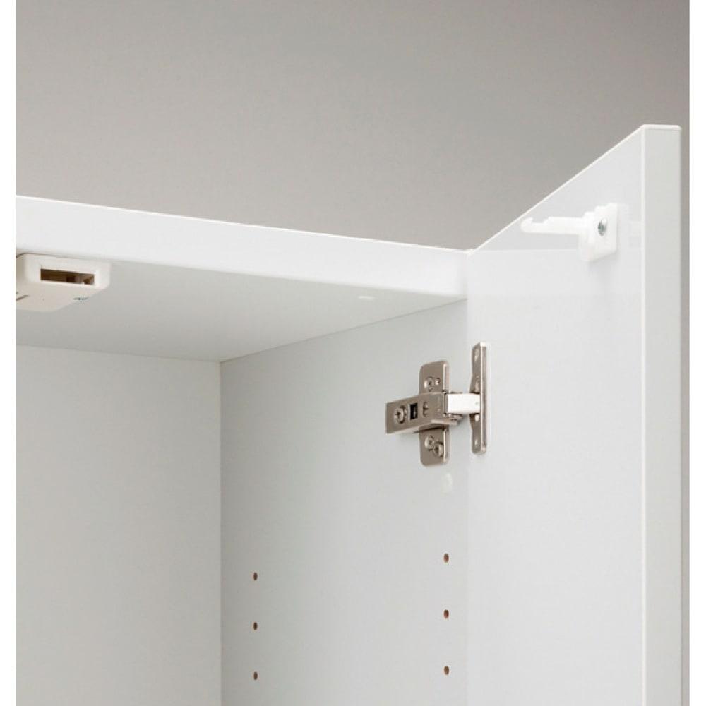 インテリアに合わせて8色&13タイプから選べるシューズボックス ミラー扉(右開き) 幅30高さ180.5cm 耐震ラッチが扉を自動的にロックします。