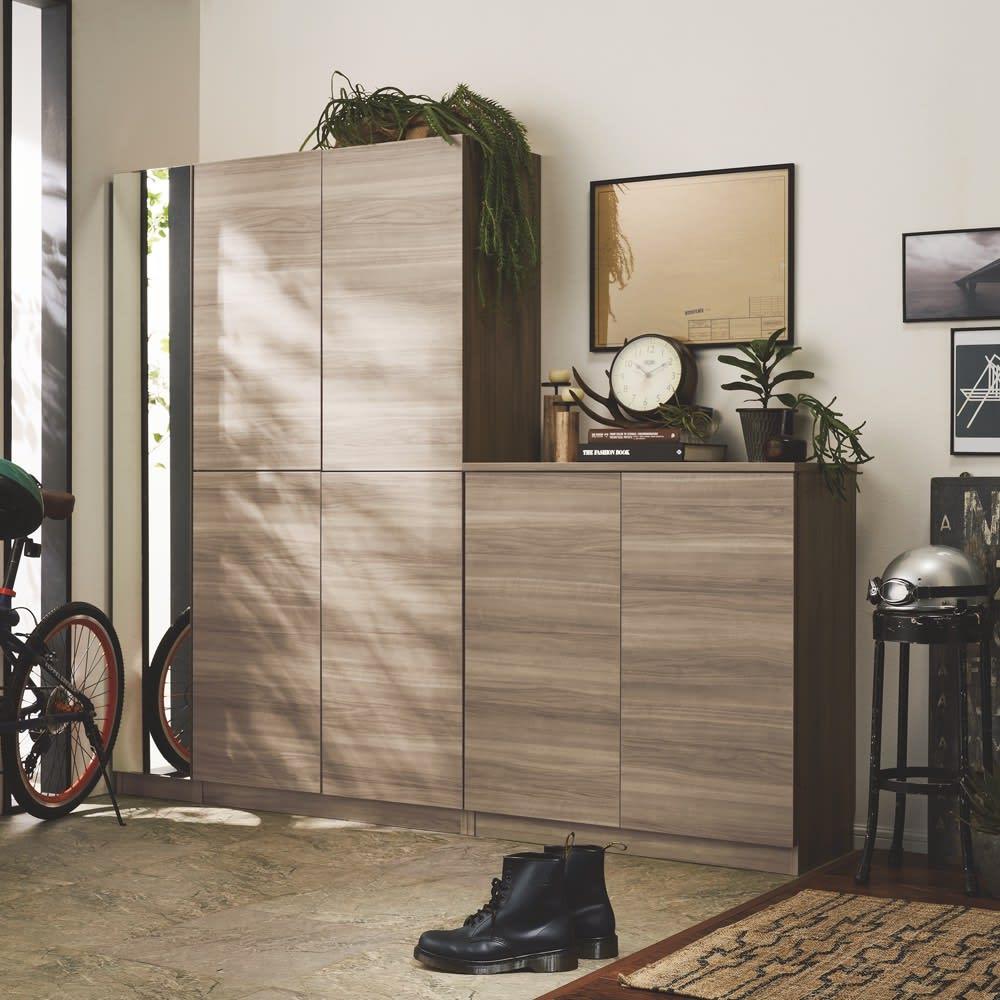 インテリアに合わせて8色&13タイプから選べるシューズボックス 幅75高さ95.5cm 色見本(ク)グレーウォルナット木目