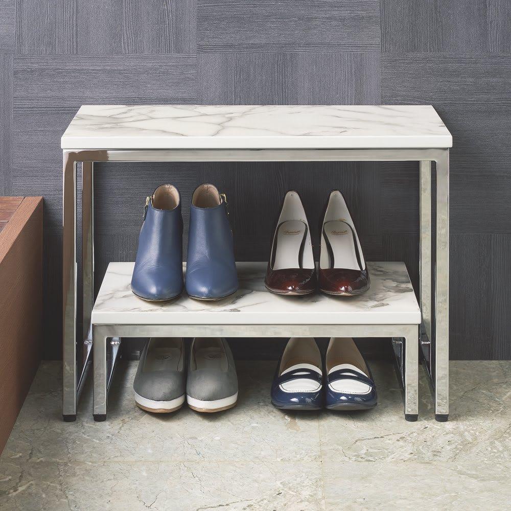 大理石柄 玄関ベンチ 使用イメージ ※写真はベンチと踏み台です。 ※お届けはベンチのみです。