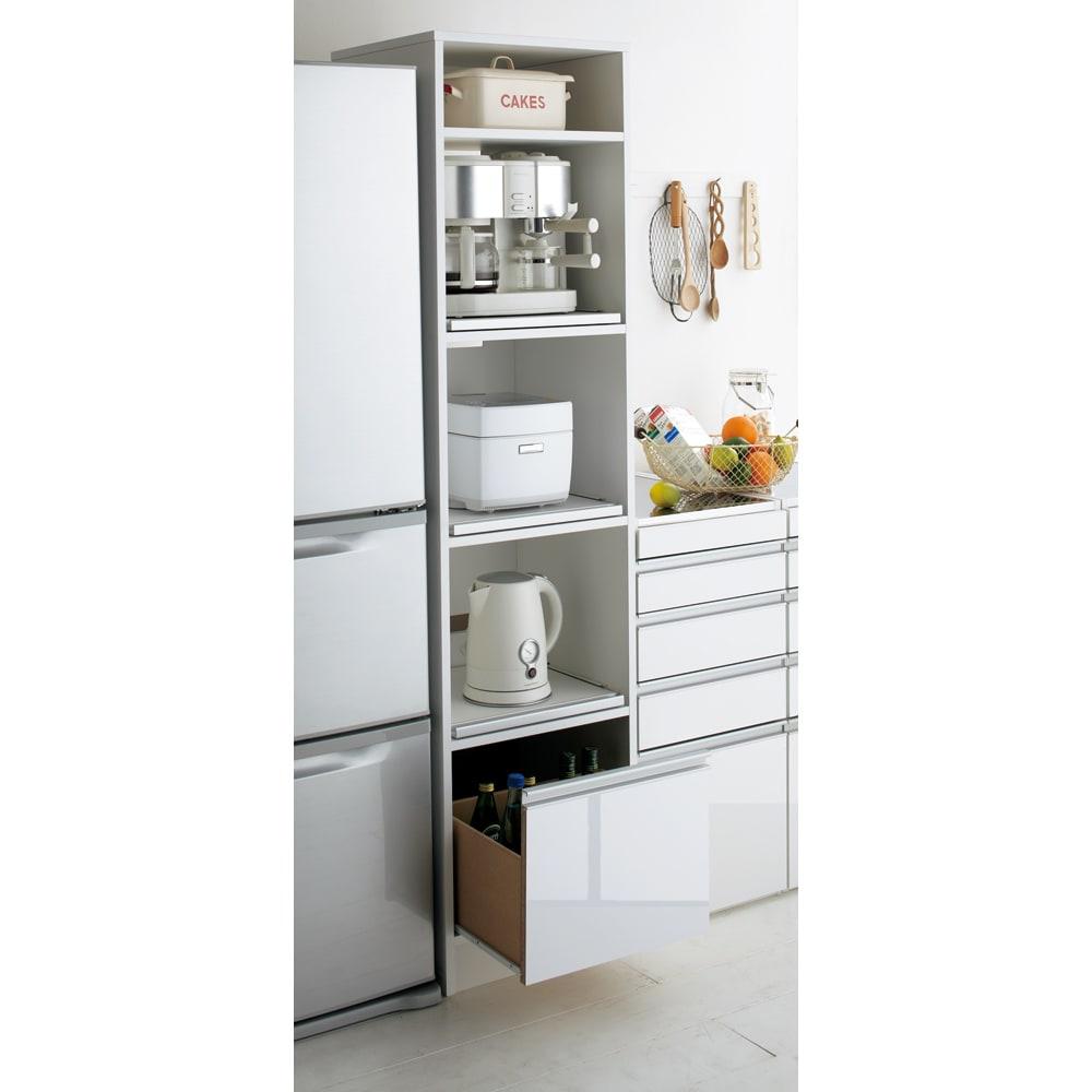 奥行スリム 幅が選べる 省スペース家電収納庫  幅37.5cm キッチン家電をまとめて収納できるオープンタイプのキッチンラック。3段のスライドテーブルがとても便利です。 ※画像は幅45cmタイプです。