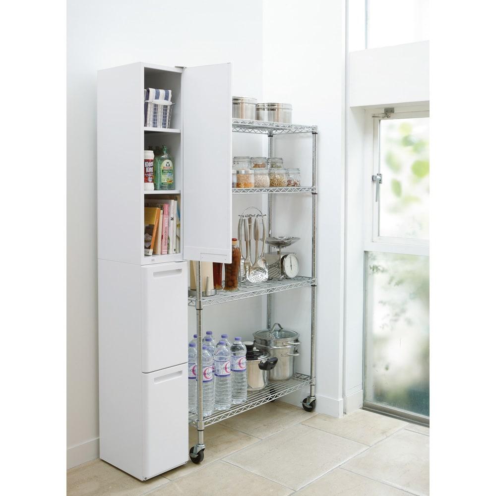 キッチンすき間収納 トールタイプダストボックス 2分別 収納庫と分別ゴミ箱をひとまとめにしました。素材には頑丈な鋼板を使用し、プラスチックにはない高級感が魅力です。