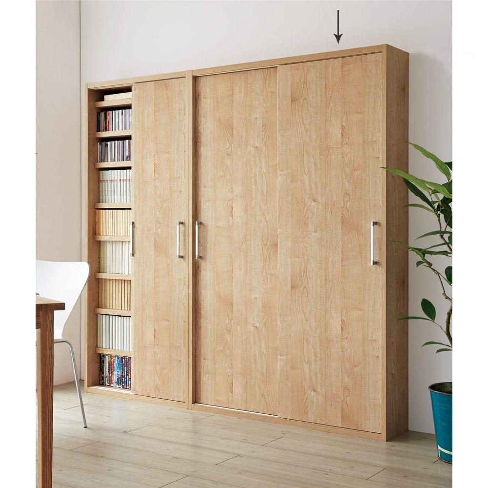 天然木調引き戸本棚 幅115cm奥行25cm (イ)ナチュラル 優しい木目調で、明るいさわやかな空間に。