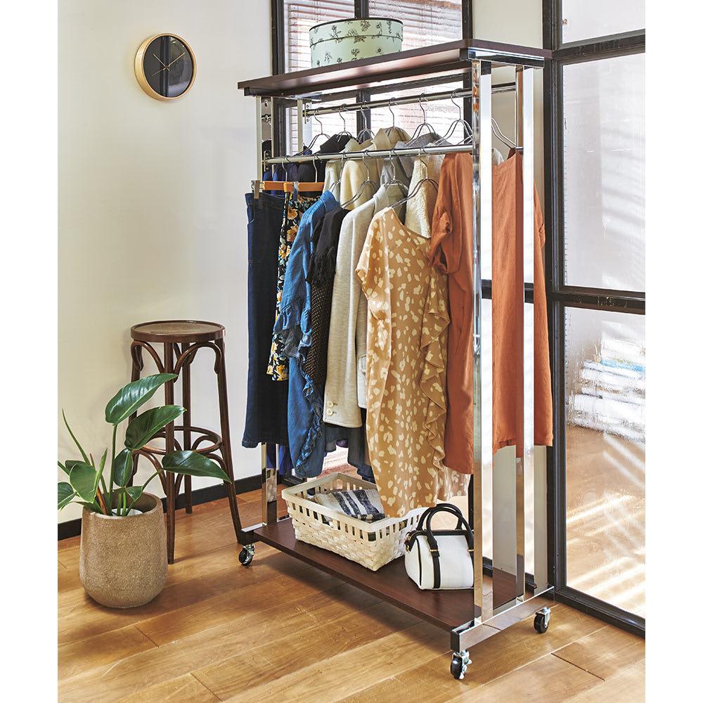上下棚付き モダン頑丈ハンガーラック ダブル・幅90cm (ア)ダークブラウン モダンなデザインのハンガーラック。インテリア性があるのでお部屋に置いてもおしゃれにお使いいただけます。