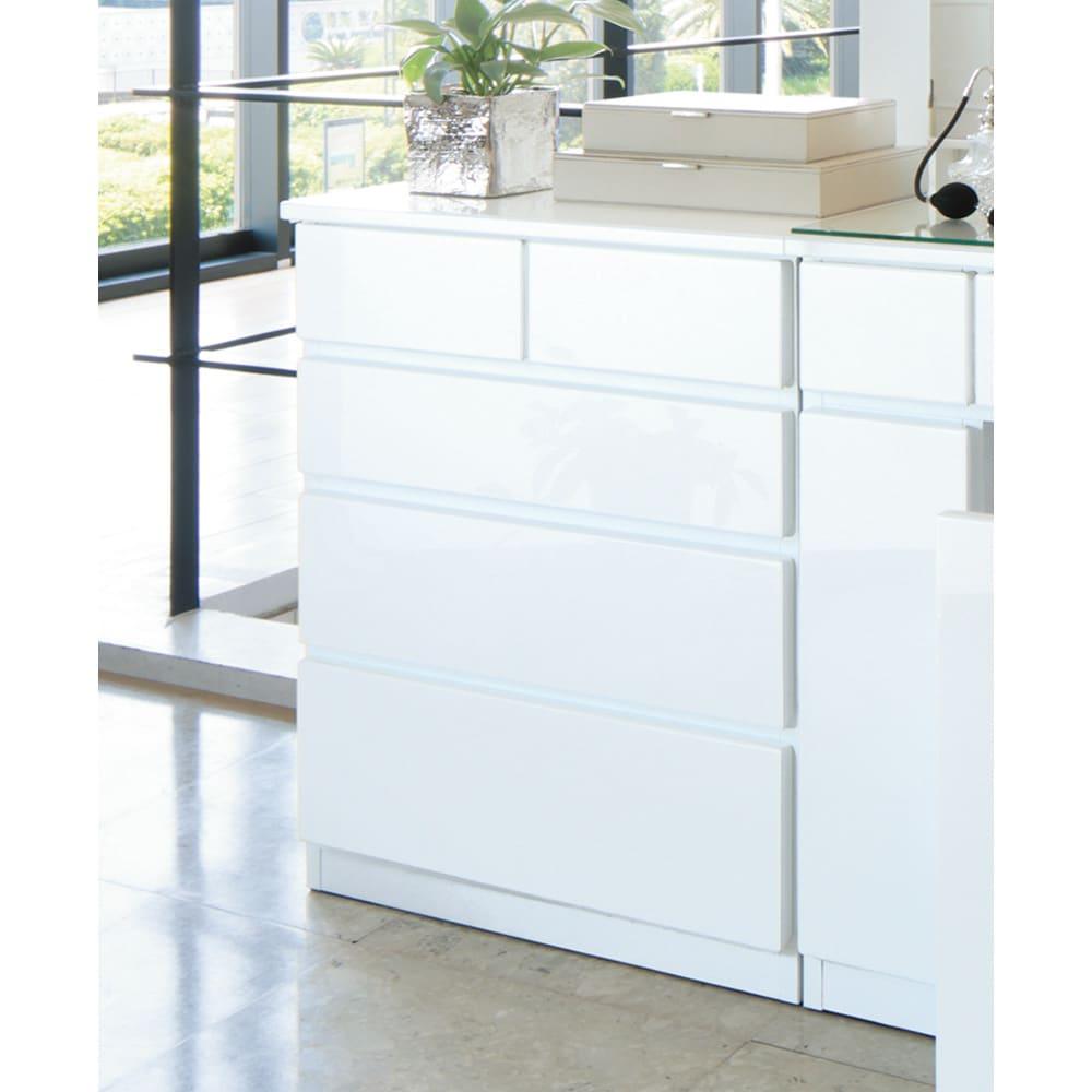 ライト付きドレッサーシリーズ チェスト4段 幅60高さ72cm (ア)ホワイト 光沢仕上げが美しいホワイト