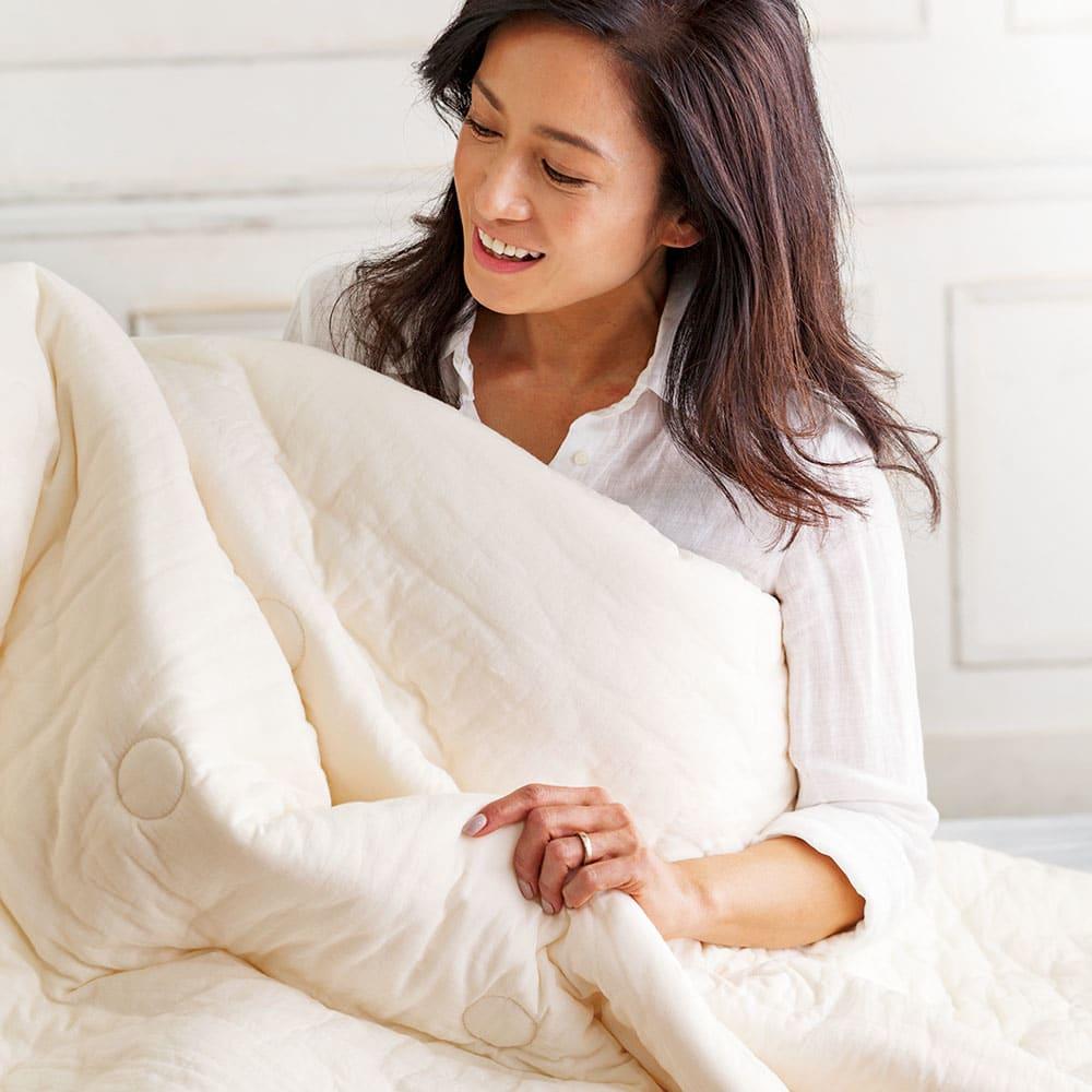 パシーマ(R)でつくったお布団(衿カバ-付き) 北澤恵理さん「洗濯するとさらに気持ちよくなりますね。今の季節からすぐ使い始めたいです」