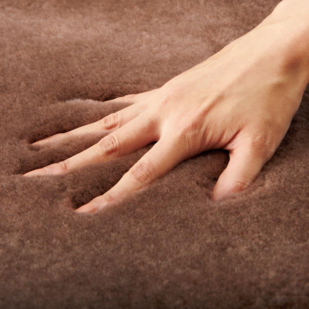 洗えるスプリングラム短毛ムートン 6匹物~10匹物 高品質で知られるオーストラリア産のムートンで仕立てた、とびきりのモチモチ感をぜひご堪能あれ。
