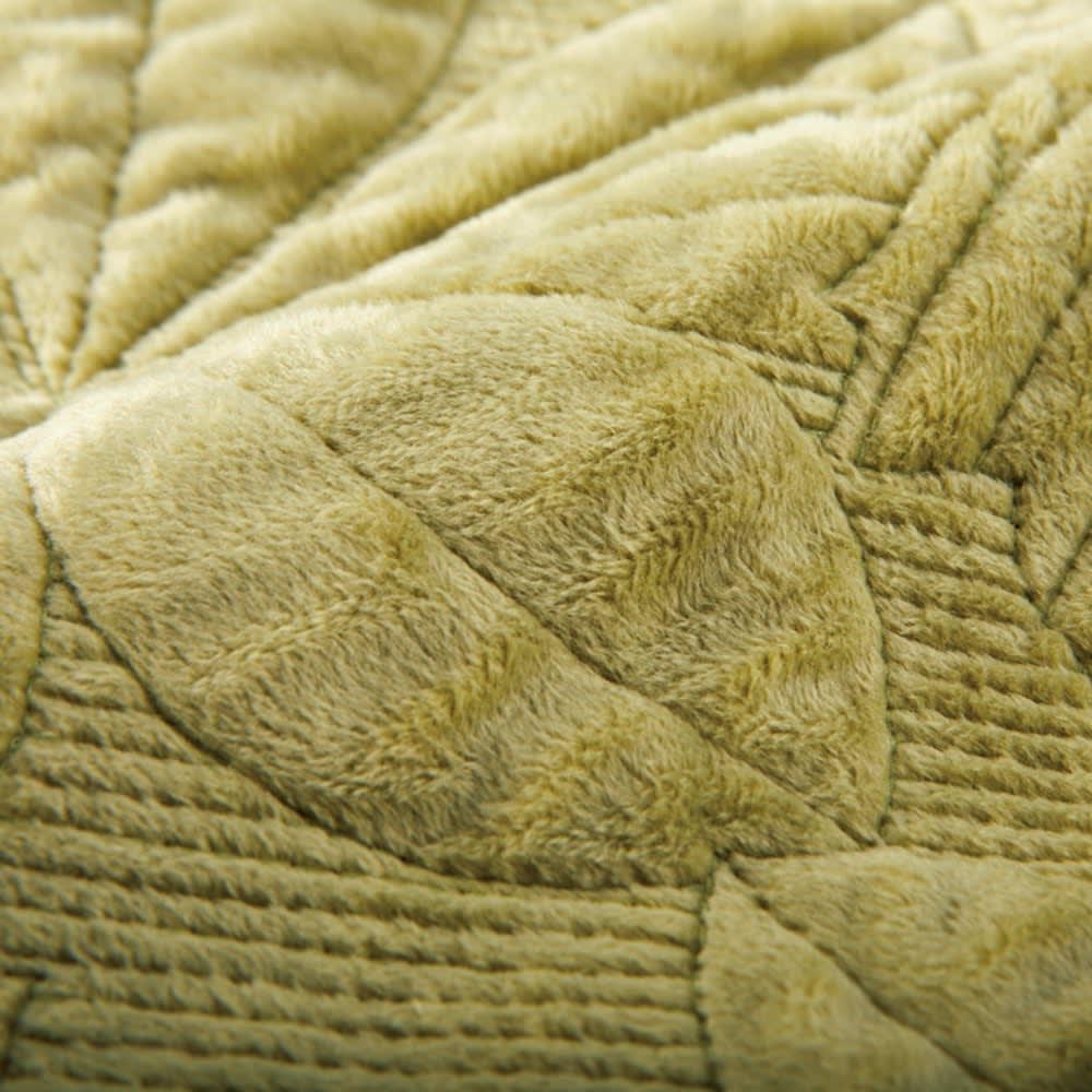 メープルキルト起毛カバーシリーズ 座面シート (ア)グリーン 温かな風合いの起毛生地全体に、立体感のある凝ったキルトを施した贅沢なカバーシリーズ。