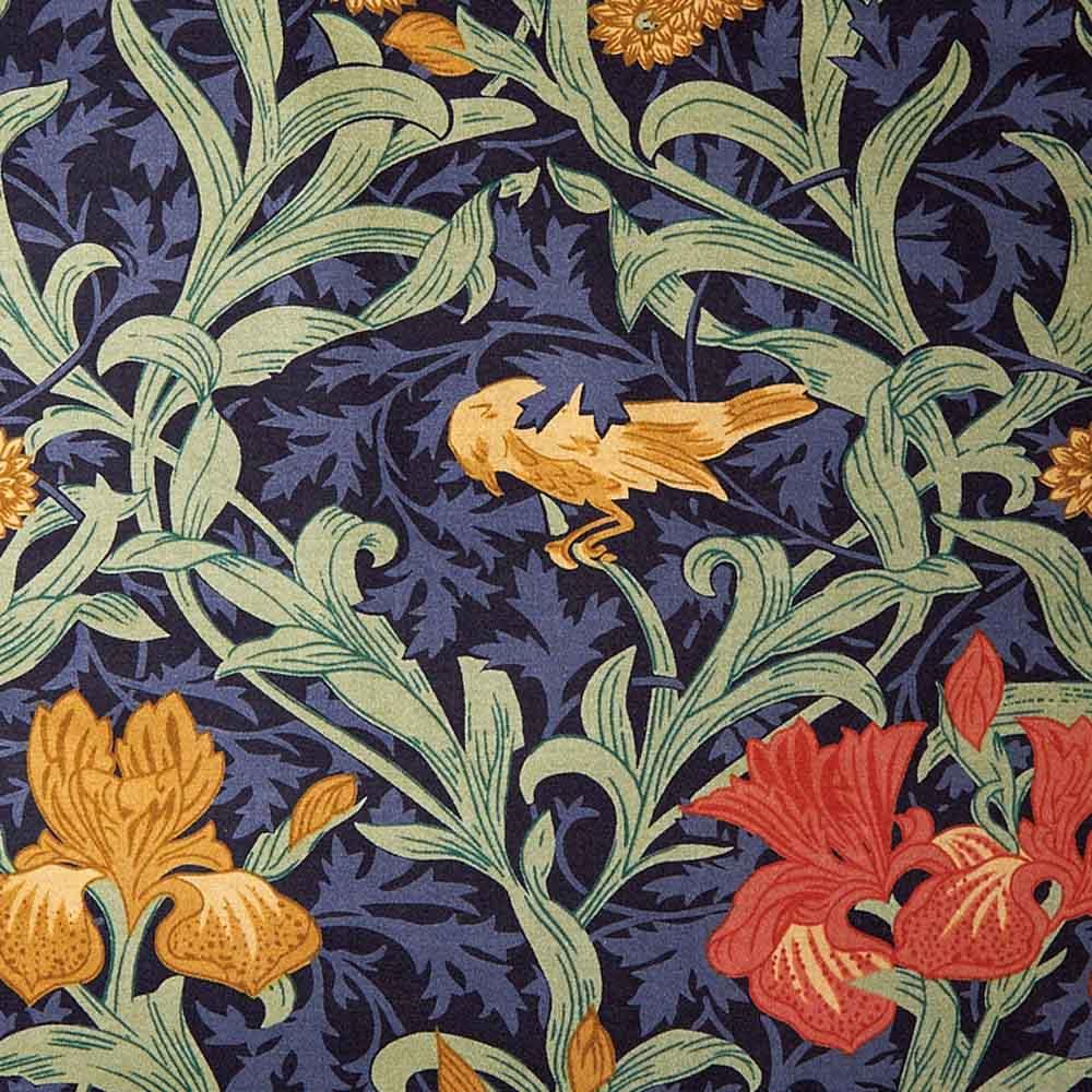 V&Aモリス監修アイリスこたつシリーズ 省スペースこたつ掛け布団 モリス柄を代表する定番人気の「アイリス」 細かい群葉模様の背景に庭園、花、鳥といったデザインが表現された人気のデザイン。