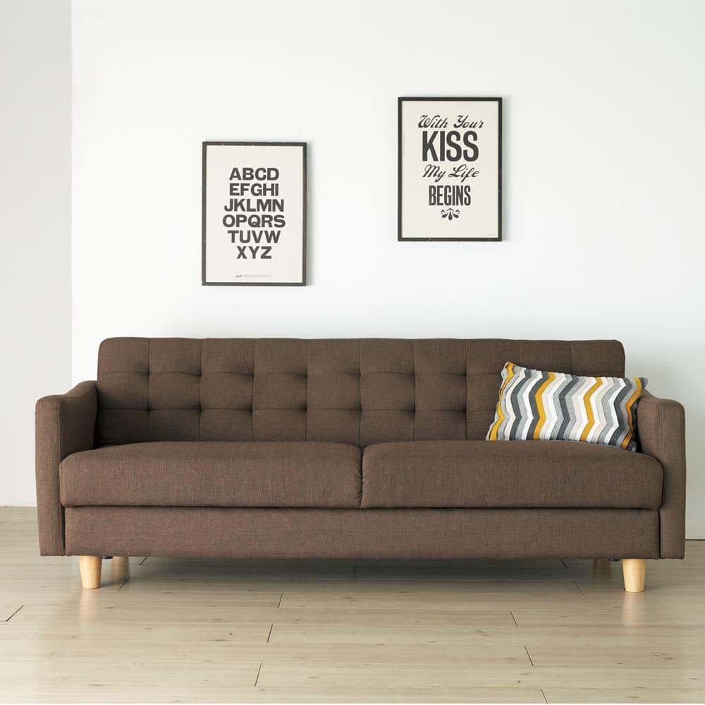 デザインにこだわったソファベッド 幅176cm奥行70cm ほっこりとしたブルックリン風のスタイリング。(柄のクッションはスタイリング小道具です)(イ)ダークブラウン
