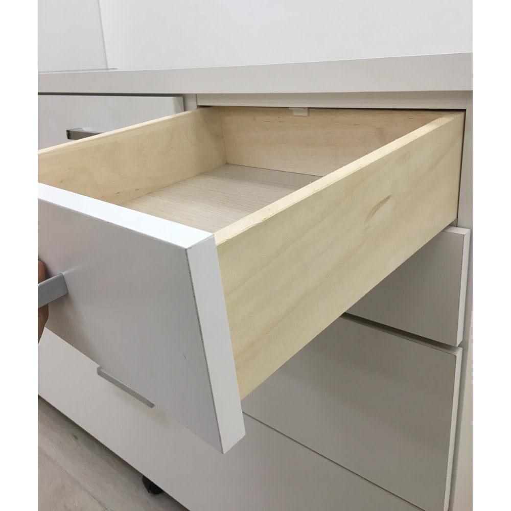 【分類して効率収納】引き出しいっぱいステンレストップカウンター 幅89cm 引出し小は上部にストッパー付きなので安心です。