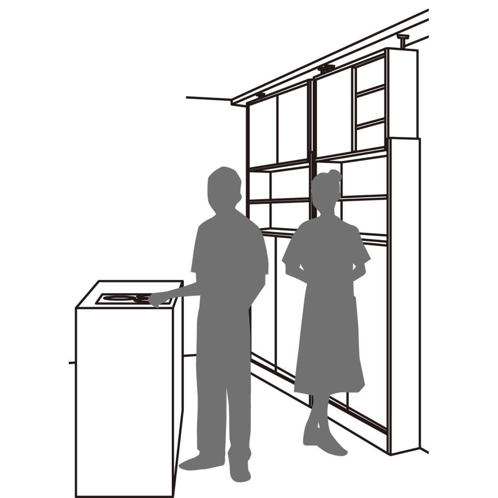 狭いキッチンでも置ける!薄型引き戸パントリー収納庫 奥行21cmタイプ 幅60cm 場所をとらない薄型設計 開閉にスペースを取らない引き戸式なので、狭い空間にも設置でき、使い勝手も◎。