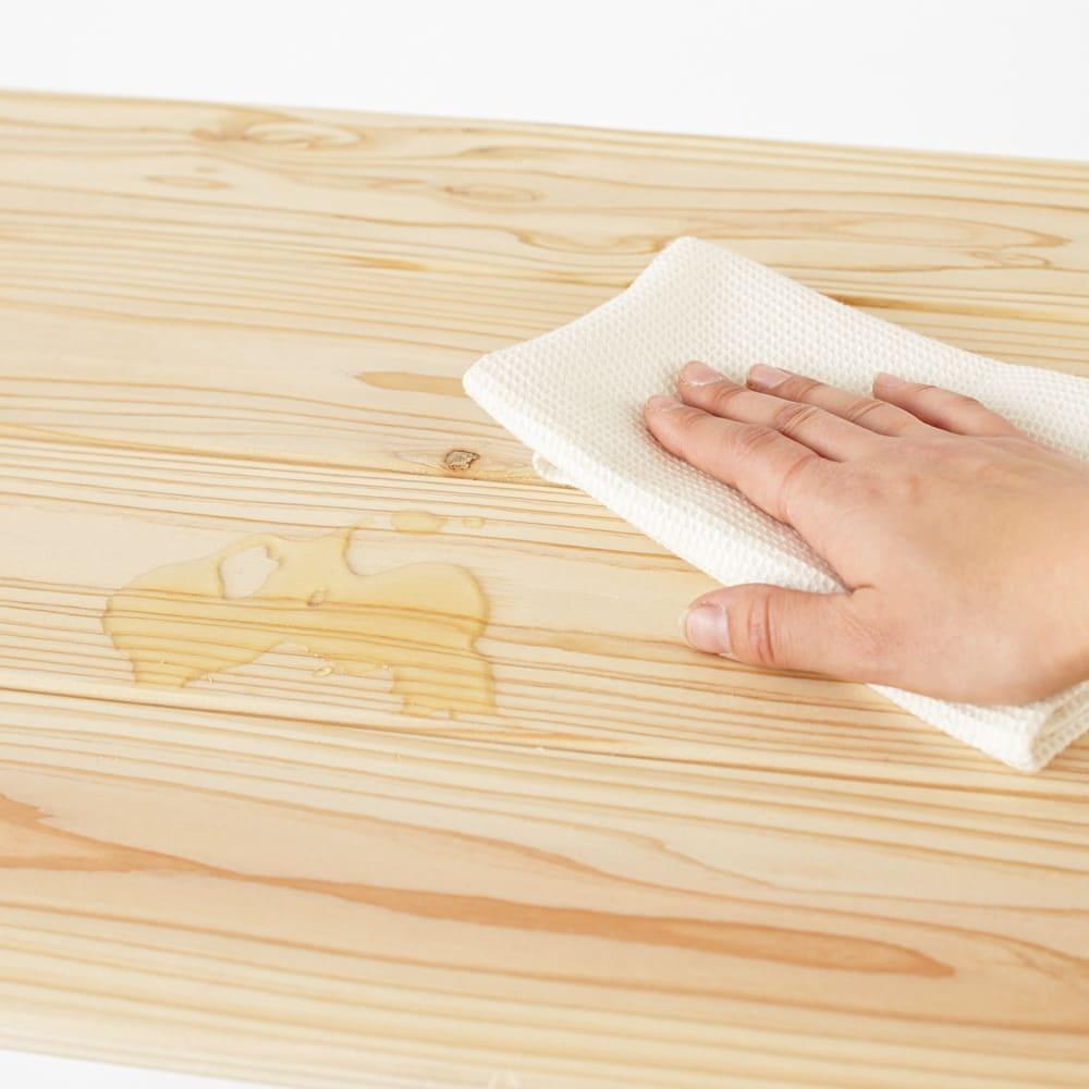 国産杉の頑丈キッチンラックシリーズ 収納庫 幅72cm 水や汚れの浸透を軽減するクリアなウレタン塗装を施してあります。