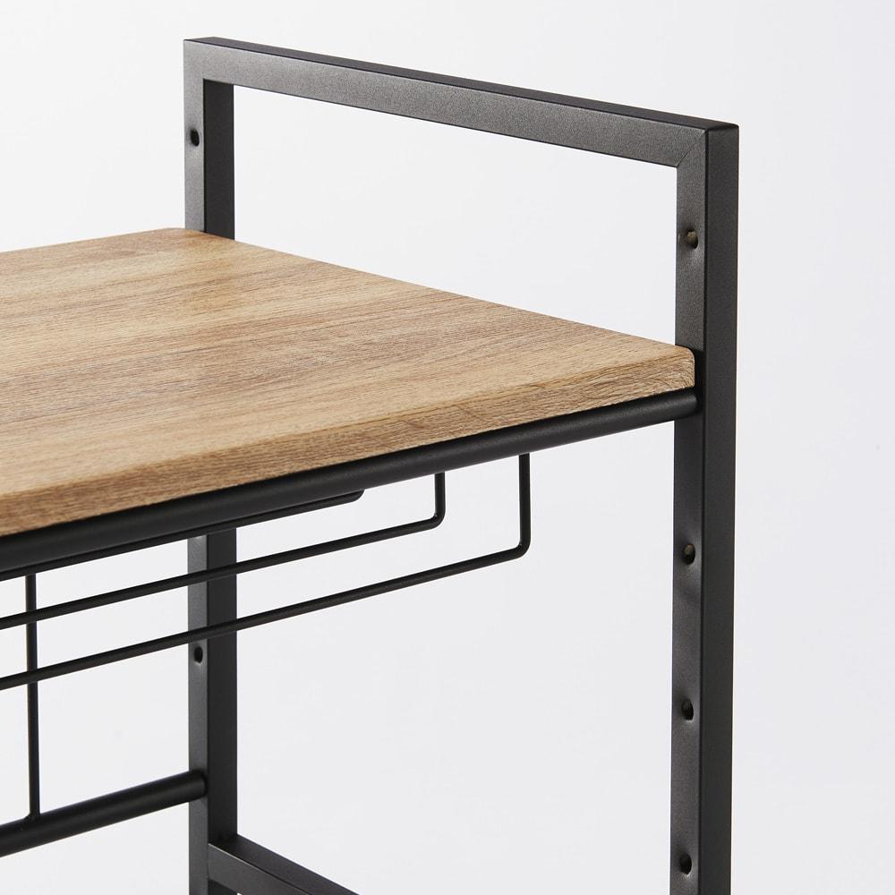 ブルックリン風レンジラック 幅84.5cm 木目柄の棚板とアイアン調のフレーム。棚板は7cm間隔6段階で高さ調節できます。