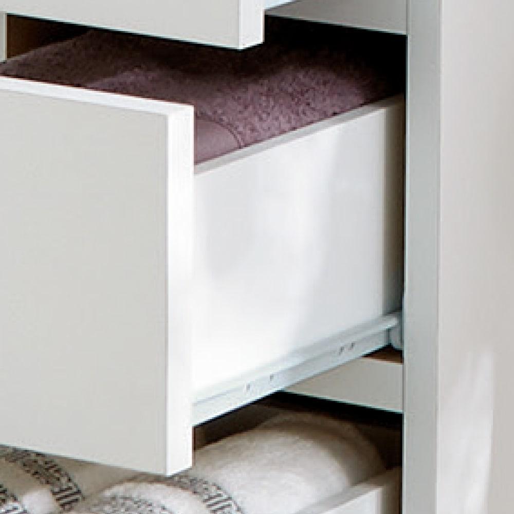 組立不要 お掃除しやすい 湿気も気にならない 多段すき間チェスト 4段・幅44.5奥行44.5cm 引き出しは全段スライドレール付きで開閉がスムーズです。
