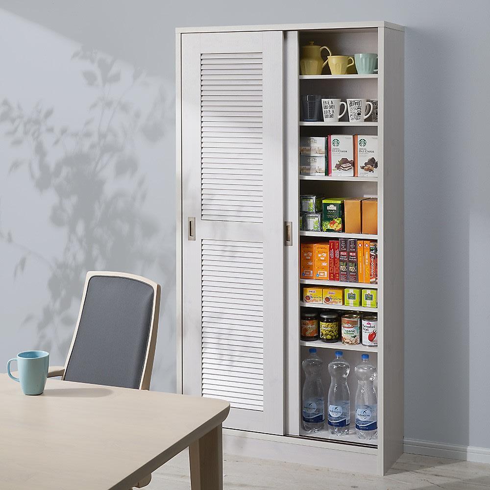 引き戸ルーバー洗面所収納庫 幅60cm ※設置イメージ(商品は幅90cmタイプです) キッチンやダイニングに置いて、食器棚やストッカーとしてもお使いいただけます。