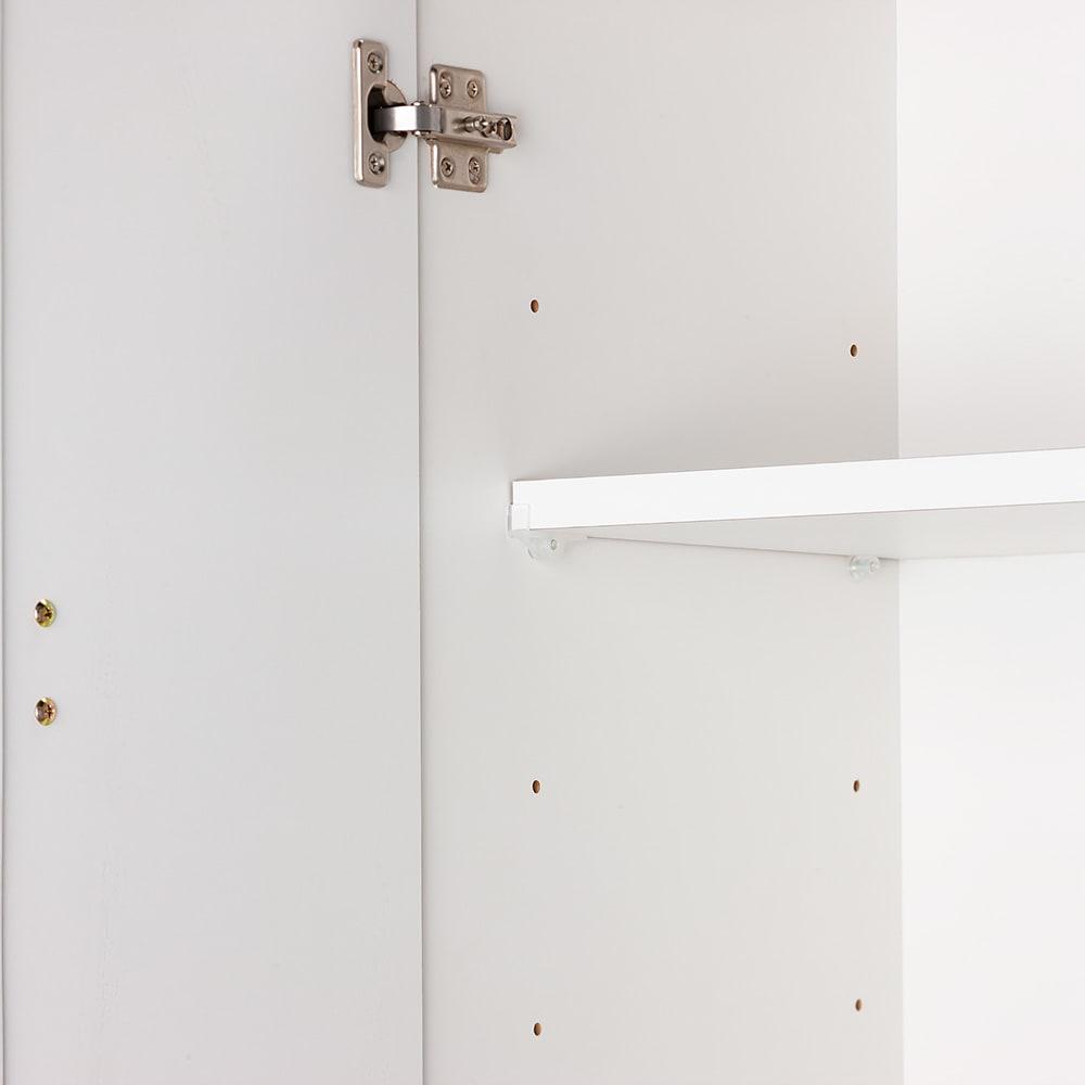 幅と奥行が選べるサニタリーチェスト 幅80cm奥行42cm 2枚の可動棚は3cm間隔で高さが調節できます。