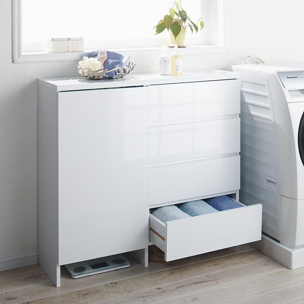 組立不要 たっぷりの棚と引き出しで片付くサニタリー収納庫 ロータイプ 幅99cm 洗濯機横に置いて洗剤や柔軟剤、ストックをしまう小物収納としてもおすすめです。