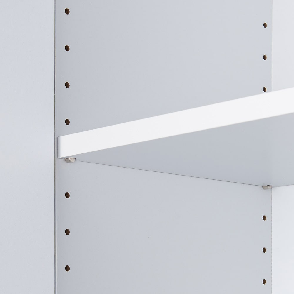 組立不要 たっぷりの棚と引き出しで片付くサニタリー収納庫 ロータイプ 幅99cm 棚板は3cm間隔で調節ができるので収納物の高さにあわせて効率よく収納ができます。