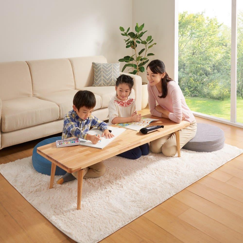折りたたみできる 天然木ロータイプデスク 幅85奥行45cm お子様のリビング学習ものびのびできます。※写真は幅129.5奥行45cmタイプです。