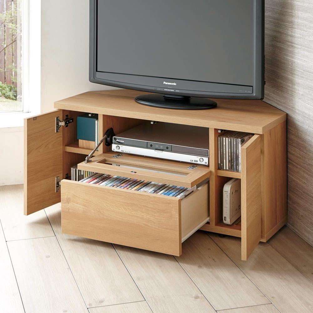 天然木調お掃除がしやすいコーナーテレビ台 幅120cm (イ)ナチュラル スライドレール付きの引き出しにCD、DVDなどを収納可能。左右収納部にはゲーム機やモデムも置けます。※写真は幅90cmタイプ。
