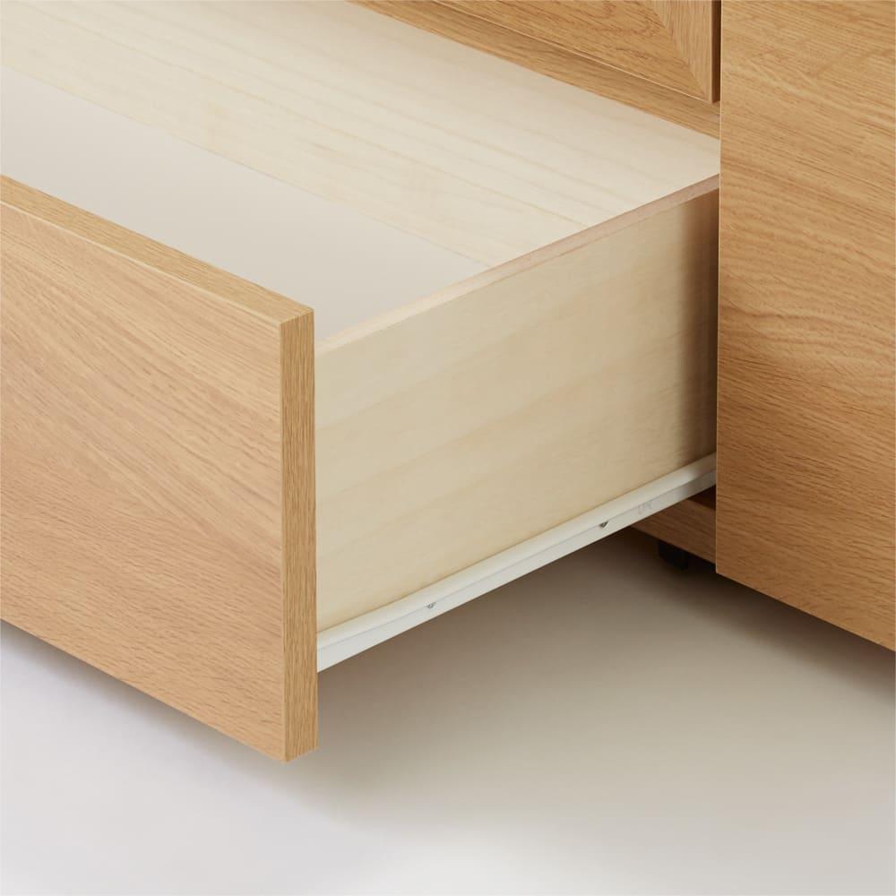 天然木調お掃除がしやすいコーナーテレビ台 幅120cm スライドレールなので開閉もスムーズで奥まで出し入れが簡単です。