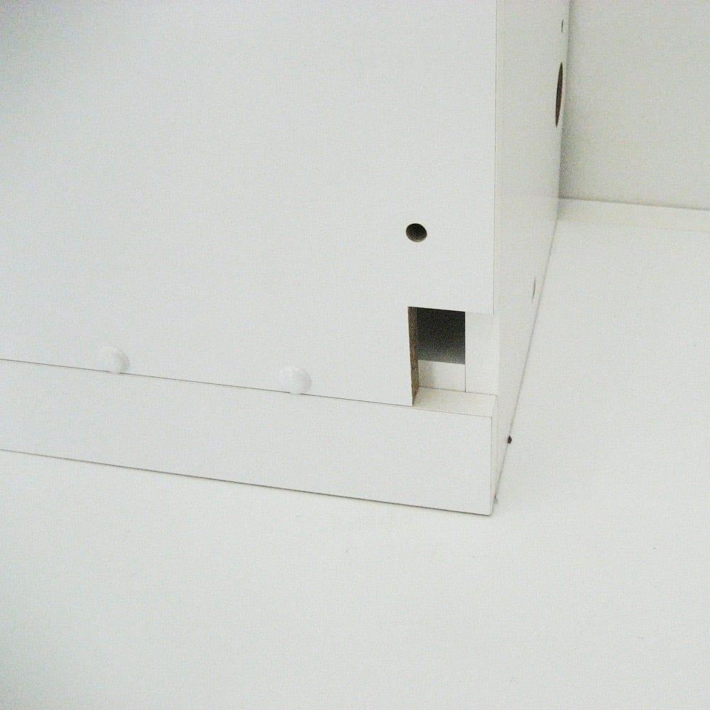 【日本製】壁面や窓下にぴったり収まる高さサイズオーダー収納庫 左コーナー用扉 幅75奥行44cmタイプ 前面にも配線コード穴があります。 ※写真は右コーナー用です。
