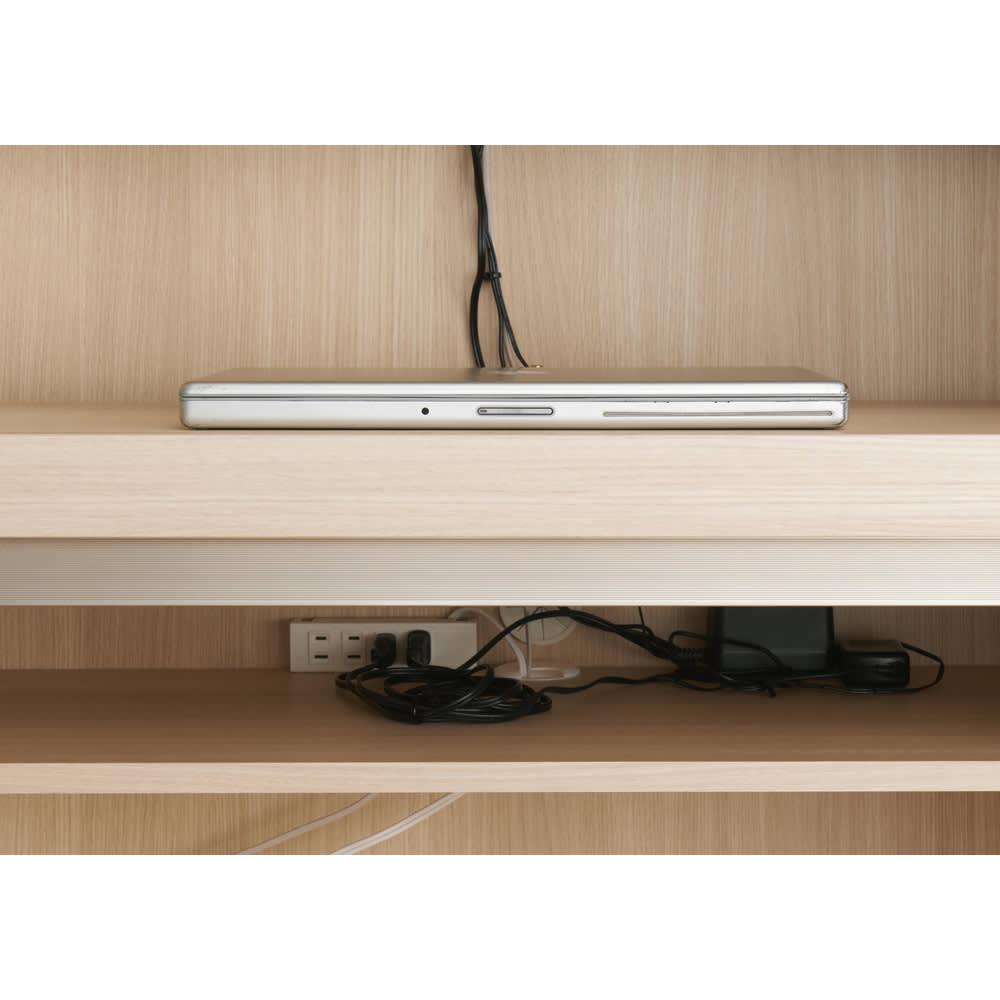 【パモウナ社製】毎日の使いやすさを考えた収納システム パソコンデスク幅60cm デスク天板下には4口コンセント(計1500W)を装備。