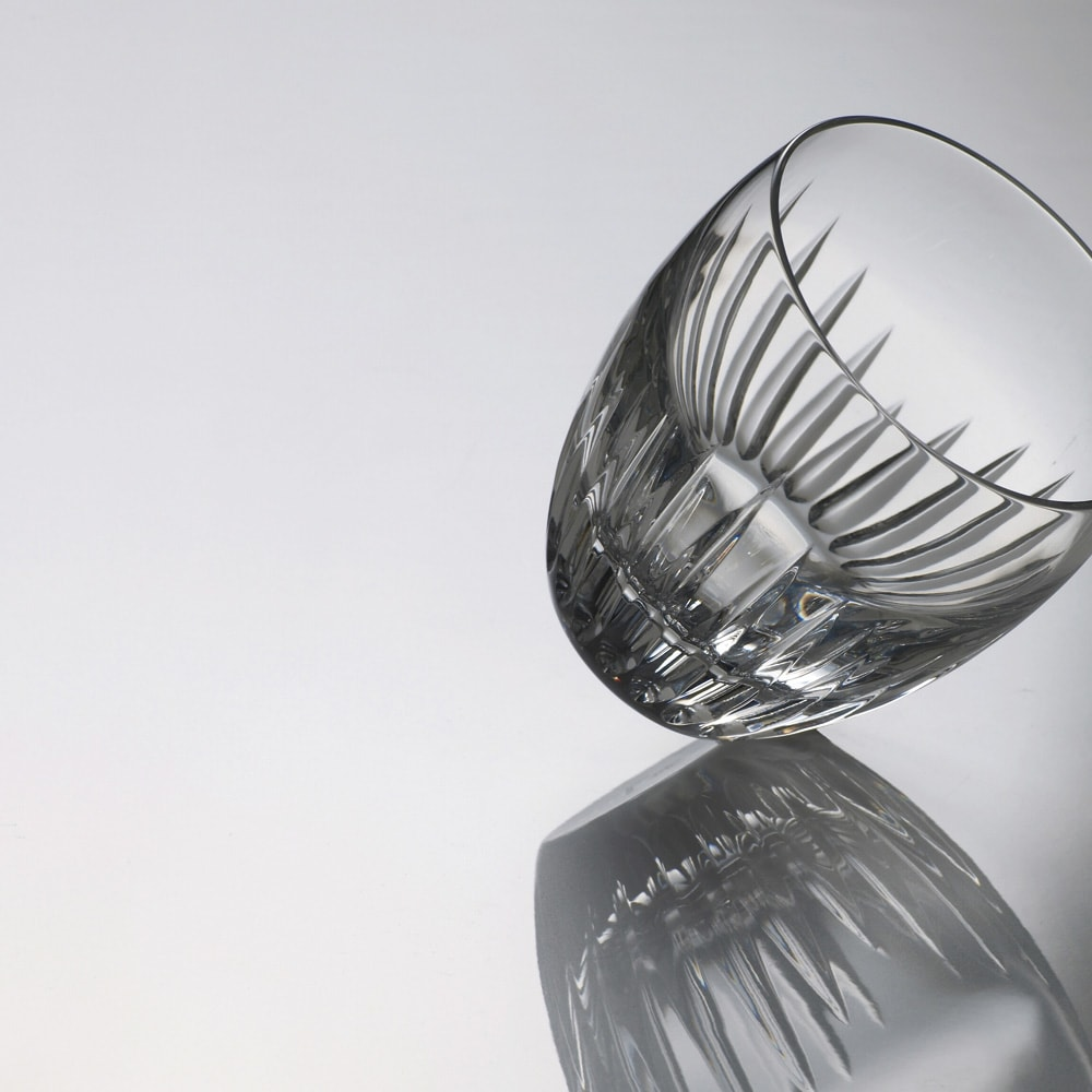 【パモウナ社製】高さサイズオーダー対応突っ張り上置き(1cm単位) 幅160cm (高さ21~89cm) (ア)ホワイト美しい光沢と透明感が持続するダイヤモンドハイグロスシート 表層にEBコートを施しているのでキズや汚れに強く、美しい輝きと透明感が持続します。