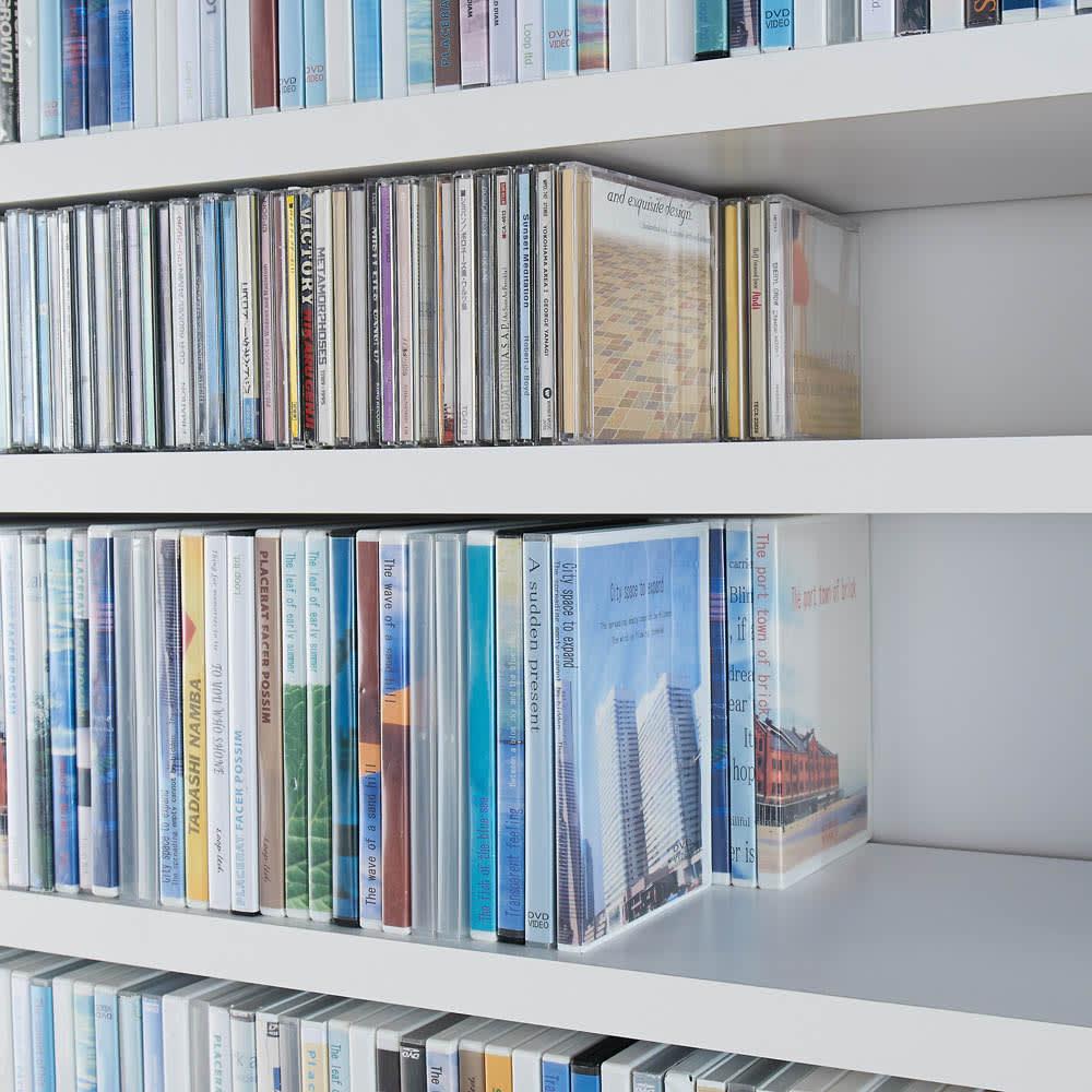 天井突っ張り式がっちりすっきり壁面本棚 奥行30cmタイプ 1cm単位オーダー 幅46~60cm・高さ207~259cm DVDが前後2列にぴったり。大量に収納できます。