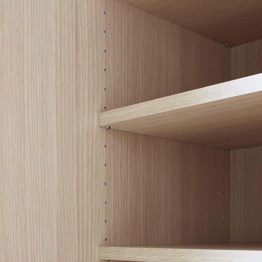 鍵付き本棚ハイタイプ 幅80奥行45高さ180cm 可動棚板は3cm間隔で調整可能。棚板耐荷重15kg。小さく軽いモノから大きく重いモノまでなんでも収納。