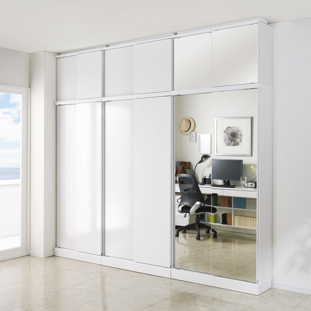 頑丈棚板引き戸本棚 奥行44cm(幅75.5/幅89.5cm) 【壁面収納】 コーディネート例 ※写真は本体と上置きの組合せです。