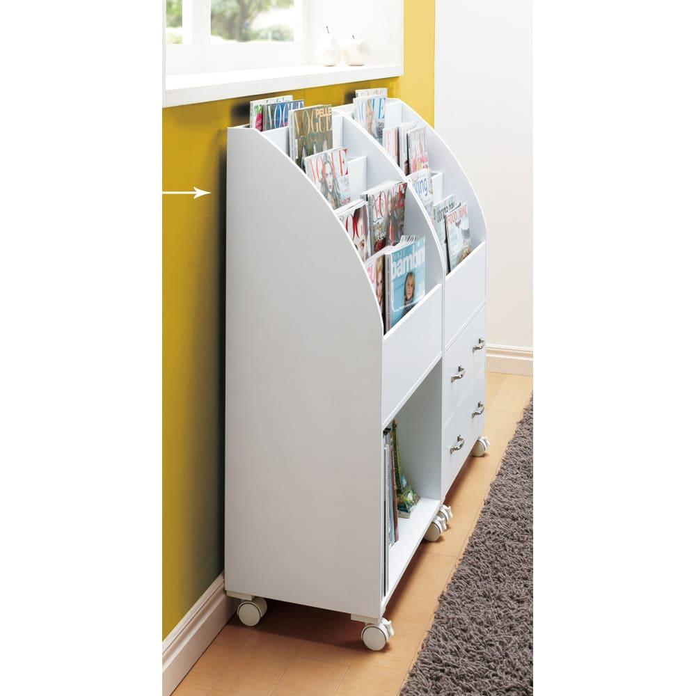 キャスター付きマガジンラック 高さ94cm (イ)ホワイト 奥行は30cm ※写真は高さ94cm引き出しタイプとの組合せ例です。