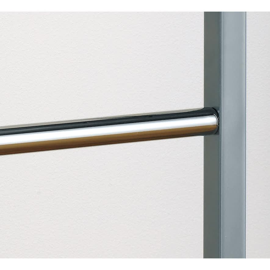 ウォークイン突っ張りハンガー 幅111~200cm・ハイタイプ(高さ218~280cm)・カーテンなし 中央のフレームには強度に優れた角パイプ(25×25mm)を使用。
